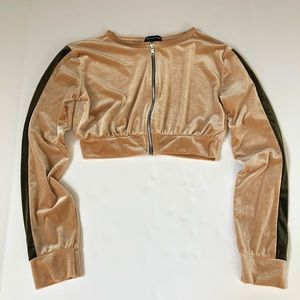 PRETTYLITTLETHINGS CROPED JACKET WITH ZIPPER